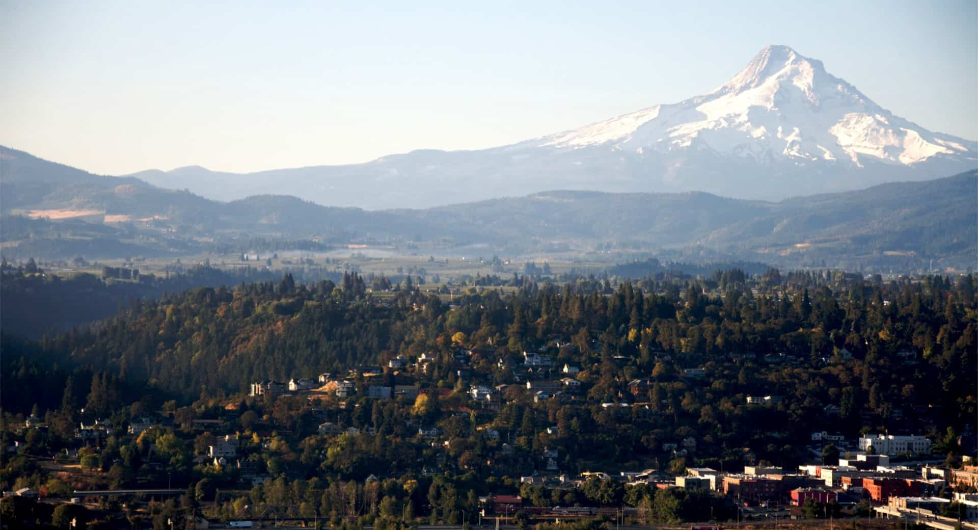 Landscape image of Hood River, Oregon