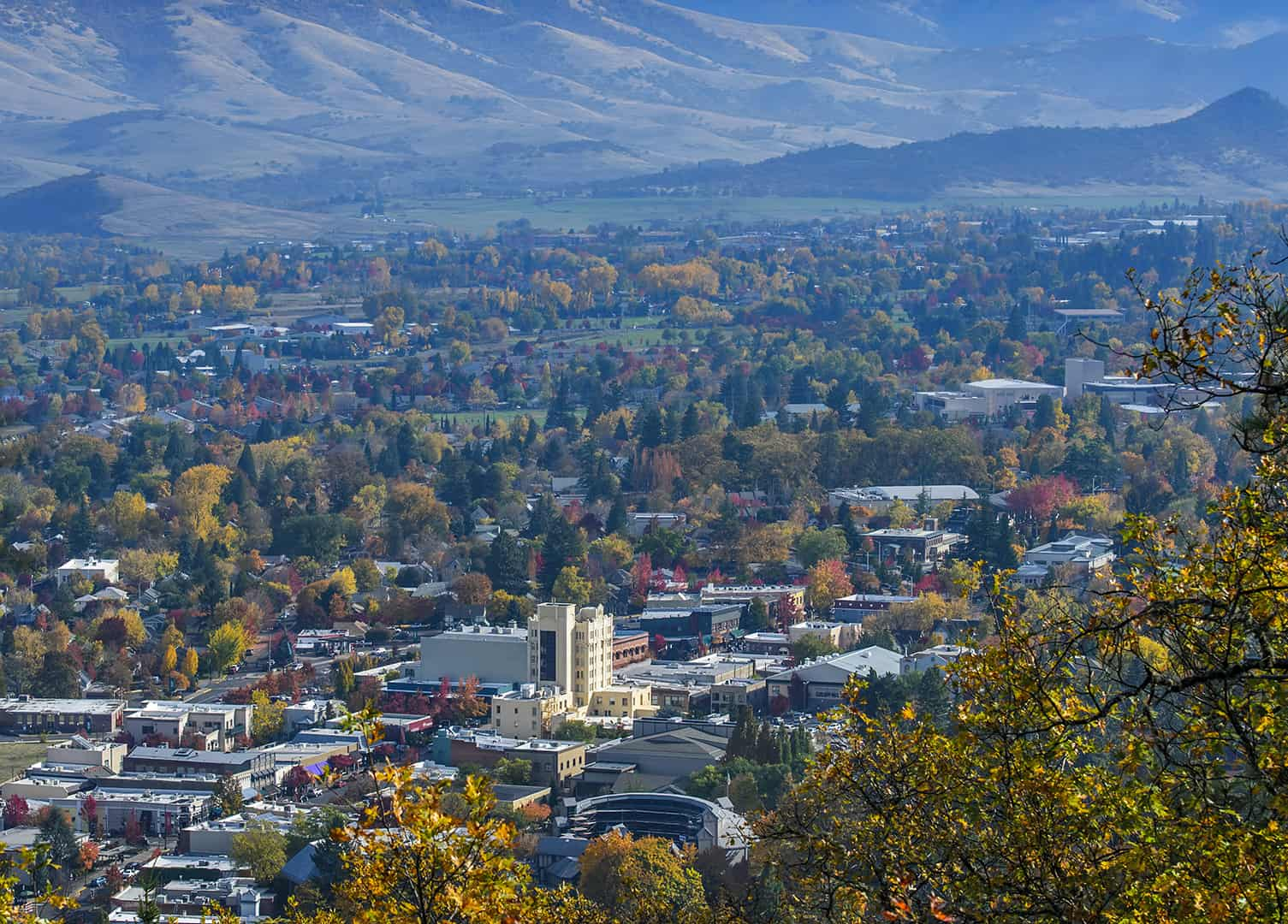 Landscape view of Ashland, Oregon and the surrounding forest